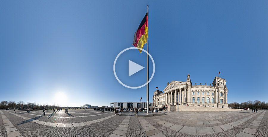 Reichstagsgebäude, Deutschlandfahne und Platz der Republik - Panorama #16 | 04.2010