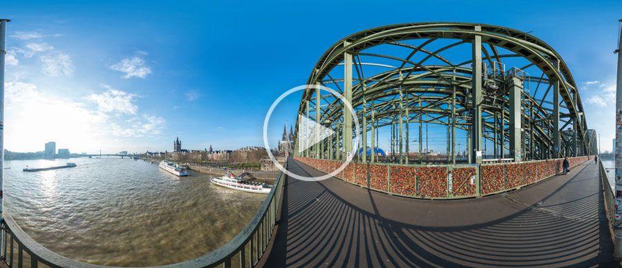 Liebesschlösser auf der Hohenzollernbrücke in Köln | 02.2014