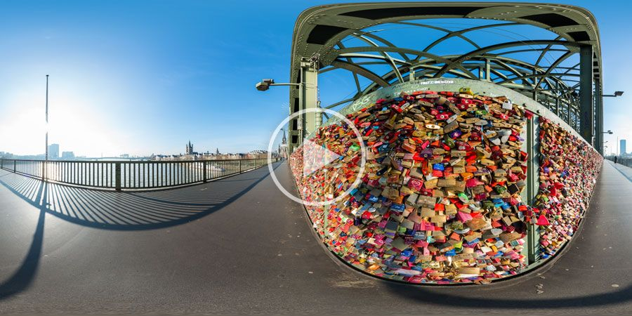 Liebesschlösser auf der Hohenzollernbrücke in Köln 360° | 02.2014