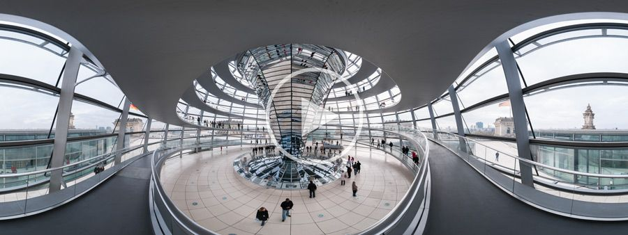 Abgang in der Kuppel des Reichstagsgebäudes - Panoramafotografie
