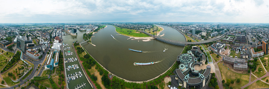 Düsseldorf Rheinturm Panorama