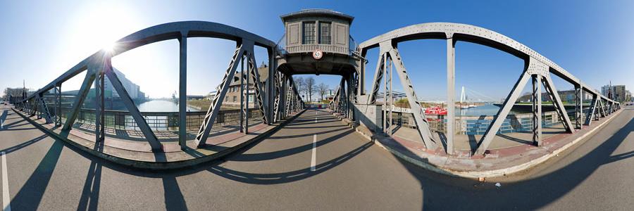 Drehbrücke Köln-Deutz