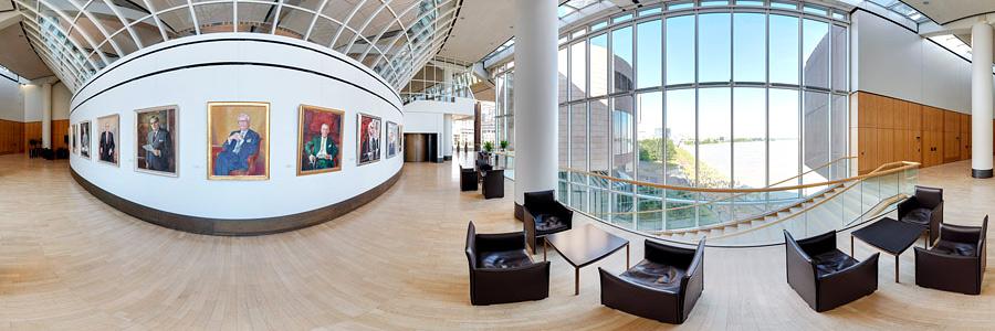 Präsidentengalerie Landtag NRW Panorama