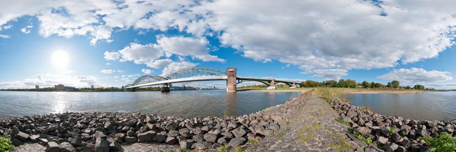 Rheinbuhne mit Südbrücke