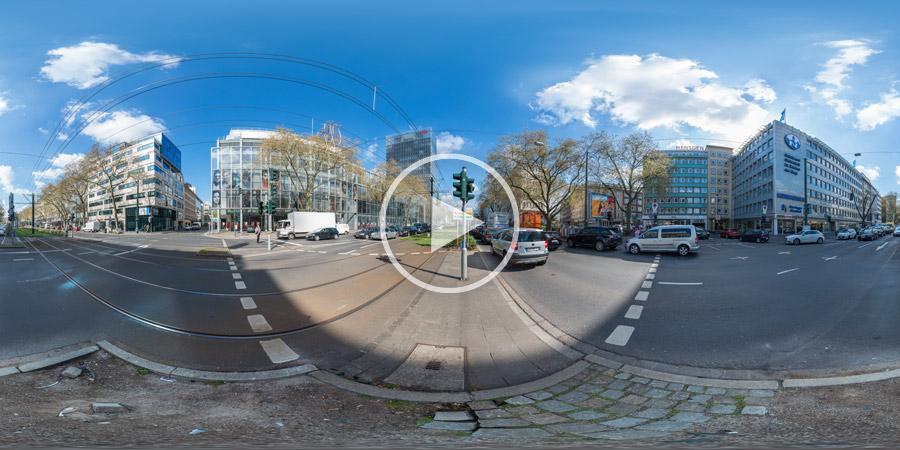 Berliner Allee in Düsseldorfvor der Sparkasse | Stau in der Innenstadt | Kugelpanorama | 04.2016