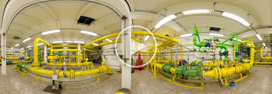 Wartung in einer Erdgasanlage im Chempark Dormagen - Panoramafoto von Chris Witzani