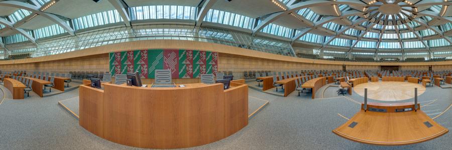 Plenarsaal Landtag NRW - Redepult