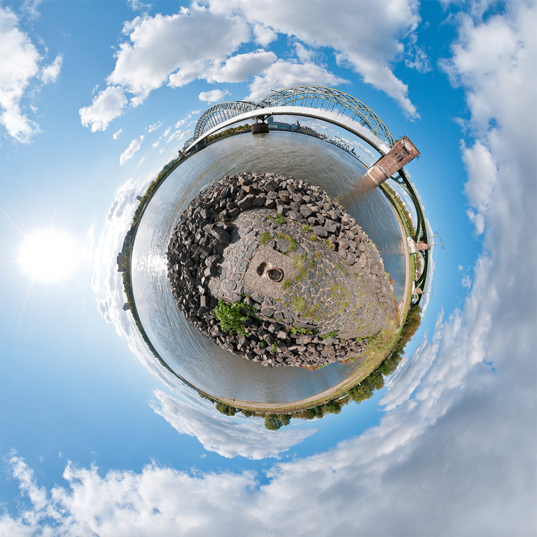 Little Planet | Südbrücke #3 | 10.2011