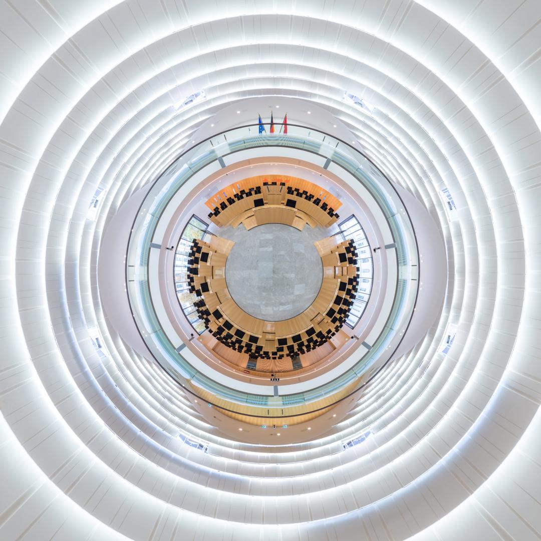 Little Planet Plenarsaal im Hessischen Landtag