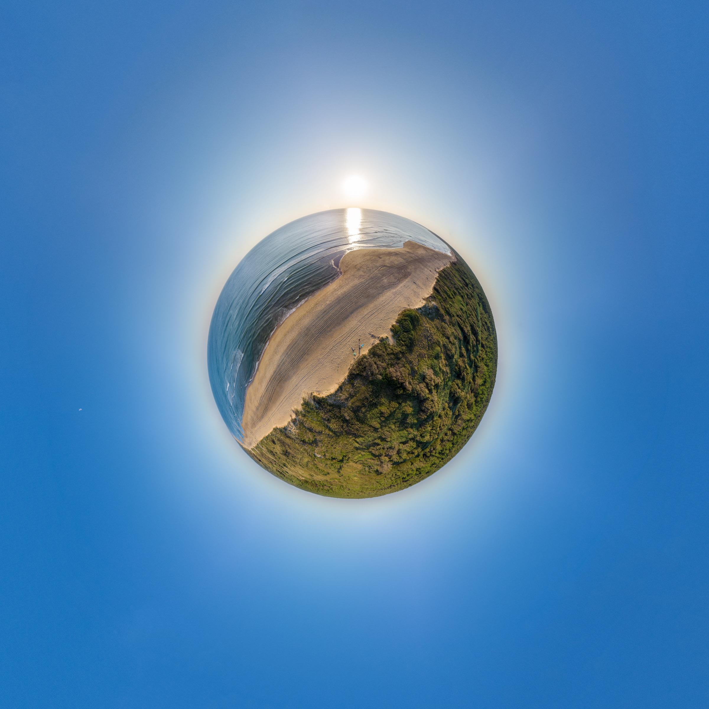 Little Planet Ile d'Oléron am Atlantikstrand